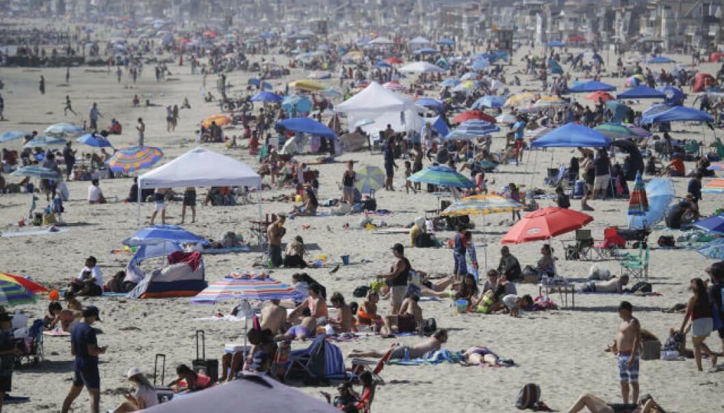 SMITTEREKORD: Coronasmitten stiger i 40 av 50 amerikanske stater. Her Newport Beach i California. Foto: AP / NTB scanpix.