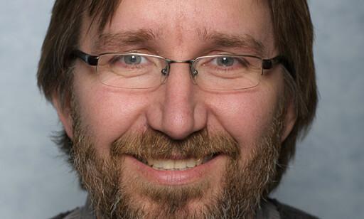 - VEL DETALJERT: FHI-forsker Petter Elstrøm mener coronaforskriften har vært for omfattende. Foto: FHI