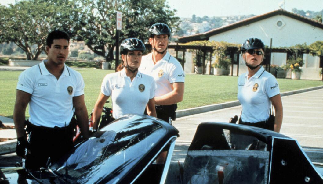MINNER: Mange nordmenn hadde sykkelpolitiet på Santa Monica Beach i California som faste følgesvenner på tv-skjermen gjennom sommeren på 90- og 2000-tallet. Foto: TV 2