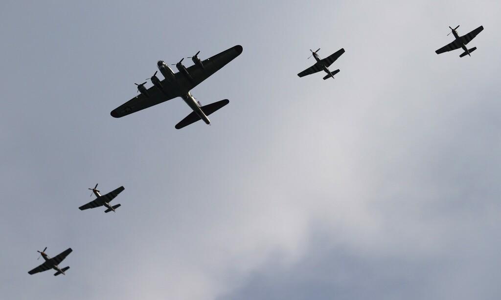 SHOW: Fly fra 2. verdenskrig flyr over Washington. Foto: Win McNamee/Getty Images/AFP