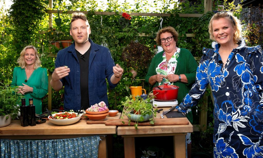 MYE PÅ HJERTET: Solveig Kloppen inviterer Niklas Baarli, Olaug Bollestad og Ingrid Gjessing Linhave på middag i «En kveld hos Kloppen». Foto: TV 2.