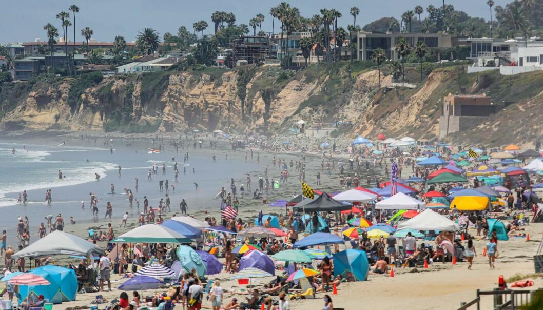 ÅPEN: Stranda i San Diego holdt åpen under nasjonaldagen lørdag. Flere andre byer holdt imidlertid strendene stengt, for å unngå at folk samlet seg her. BFoto: AFPAFP)