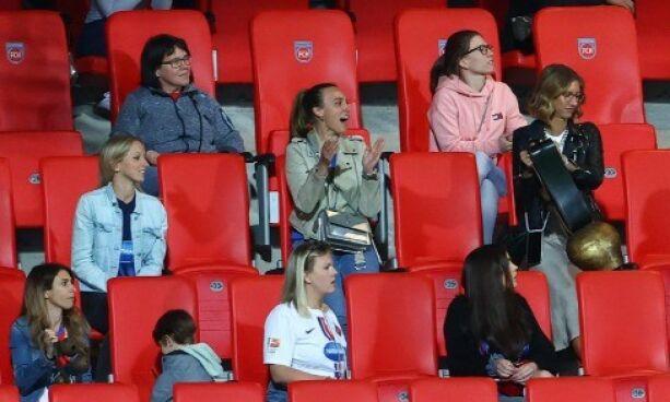 image: Fotballfruer skapte bråk
