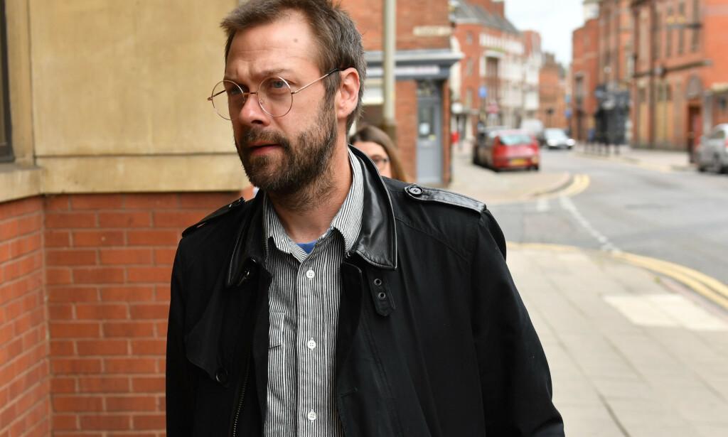 Erkjente straffskyld: Tom Meighan, tidligere vokalist i Kasabian, ankommer rettslokalene i Leicester. Foto: