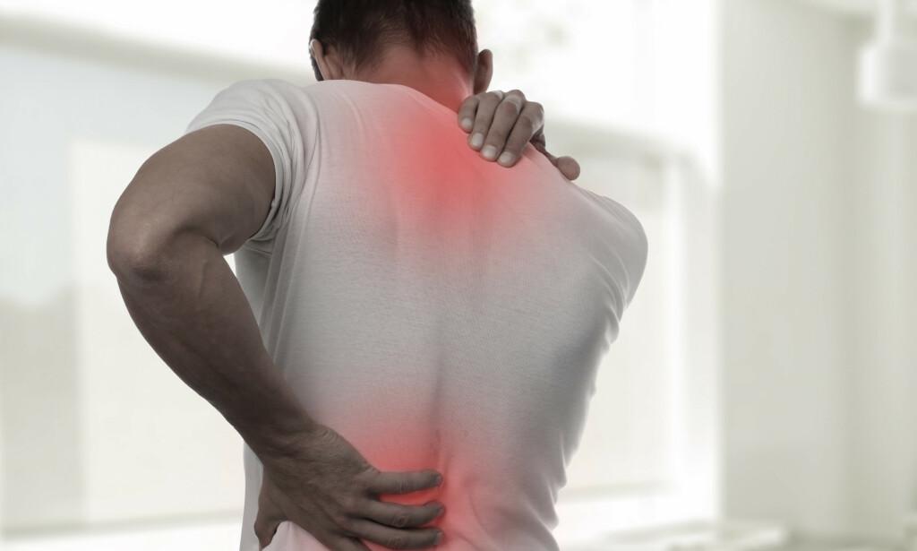 LÆR GODE GREP: Selv om smerter i nakken sjeldent er farlige, er de likevel ofte plagsomme og forstyrrende. FOTO: NTB/scanpix
