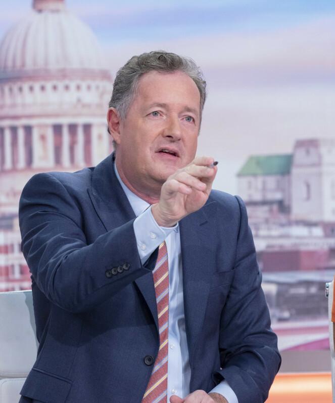 HARDT UT: Piers Morgan er nok en gang ute etter å ta hertugparet av Sussex. Denne gangen hudfletter han dem etter at de stilte opp i en ny video. Foto: NTB Scanpix
