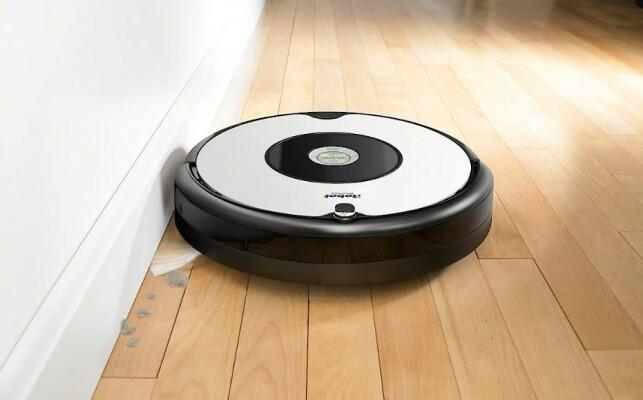 SLIPP STØVSUGINGEN: Hvorfor støvsuge selv når en robot kan gjøre jobben for deg?