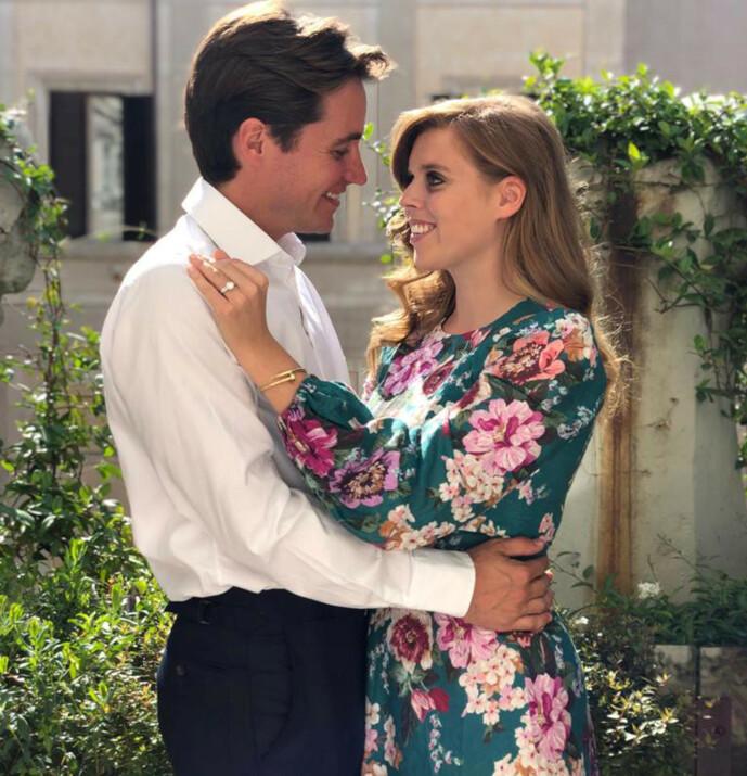 <strong>FORLOVET:</strong> Prinsesse Beatrice og Edoardo Mapelli Mozzi skulle egentlig ha giftet seg 29. mai. Nå er det uvisst når bryllupet skal finne sted. Foto: NTB Scanpix