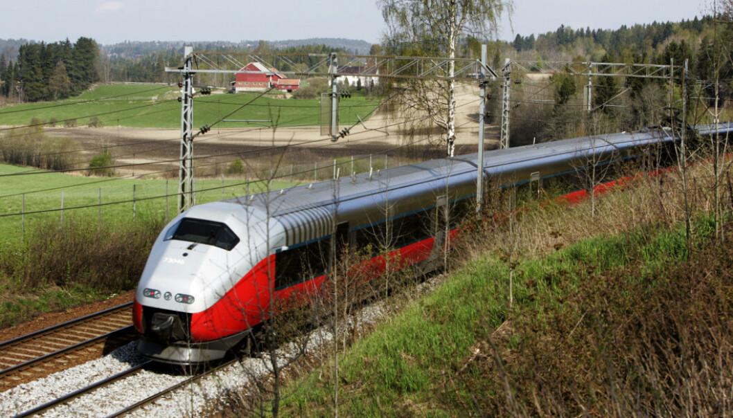 TOGTILBUD: Vi trenger et raskere og enklere togtilbud mot Sverige, Danmark og kontinentet, menner Holger Schlaupits i Naturvernforbundet. Foto: Cornelius Poppe / NTB Scanpix
