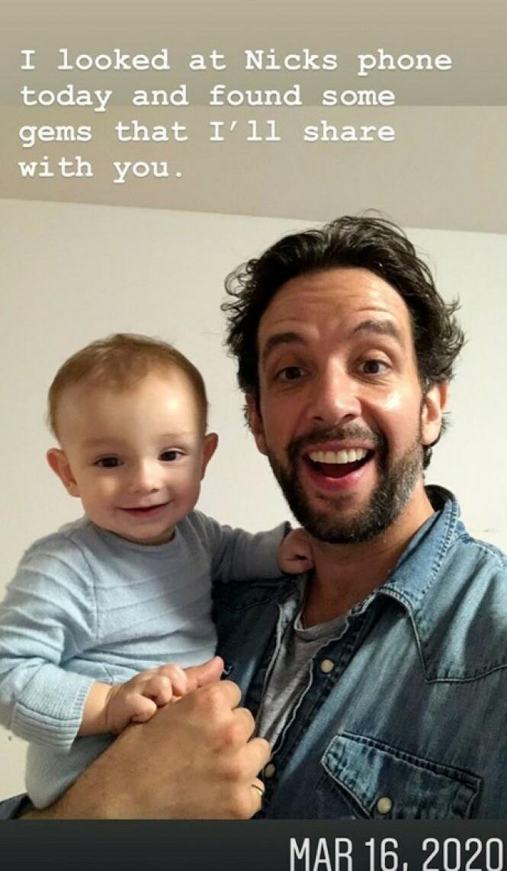 FAR OG SØNN: Nick Cordero med sønnen Elvis Eduardo like før han ble innlagt etter å ha fått påvist covid-19. Foto: Amanda Kloots / Instagram