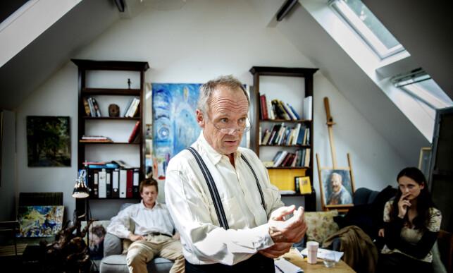 GLEDER SEG: Skuespiller Per Christian Ellefsen ser fram til å gestalte den aldrende filosofen. Foto: Nina Hansen