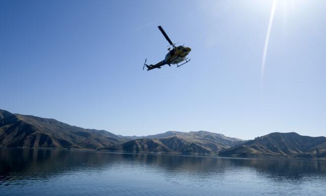 STOR LETEAKSJON: Politiet har lett etter Naya Rivera med store styrker etter at hun forsvant under en båttur i Lake Piru. Nå er hun funnet død. Foto: NTB Scanpix