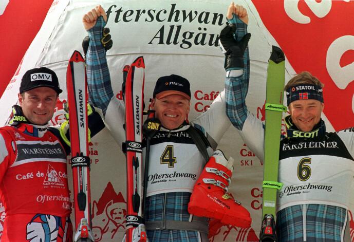 <strong>PÅ PALLEN:</strong> Finn Christian Jagge (midten) og Kjetil André Aamodt (t.h.) sammen med Thomas Stangassinger fra Østerrike under verdenscupen i alpint i 1999. Foto: Reuters/ NTB scanpix