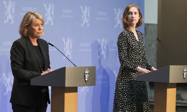 REISERÅD: Justisminister Monica Mæland og næringsminister Iselin Nybø deltar på fredagens pressekonferanse. Foto: Ørn E. Borgen / NTB scanpix