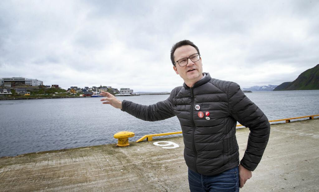 INGEN BÅTER: - I turistsesongen kommer det flere båter om dagen til Honningsvåg. Etter coronaen, har besøkene blitt kansellert, forteller ordfører Jan Olsen i Nordkapp kommune. Foto: Henning Lillegård / Dagbladet