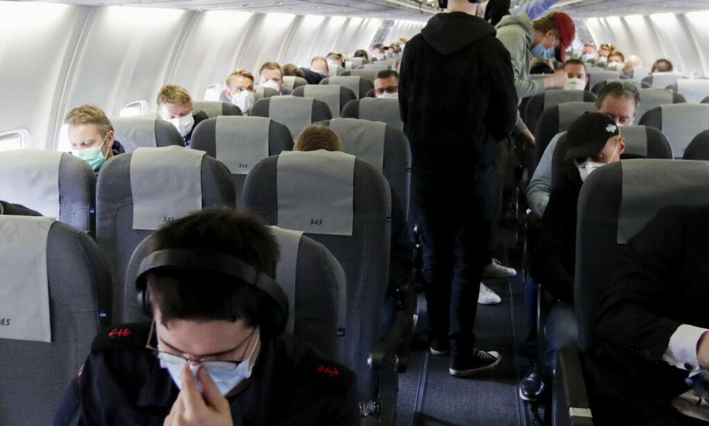 image: Advarer mot å fly etter coronasmitte