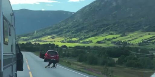 Image: Skulle kjefte på annen sjåfør - da forsvant bilen utfor kanten
