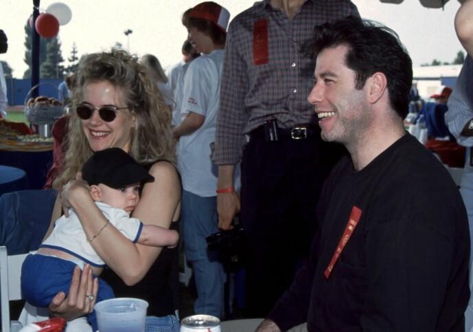 SØNN: Her er Kelly og John sammen med deres førstefødte sønn - avdøde Jett. FOTO: NTB Scanpix