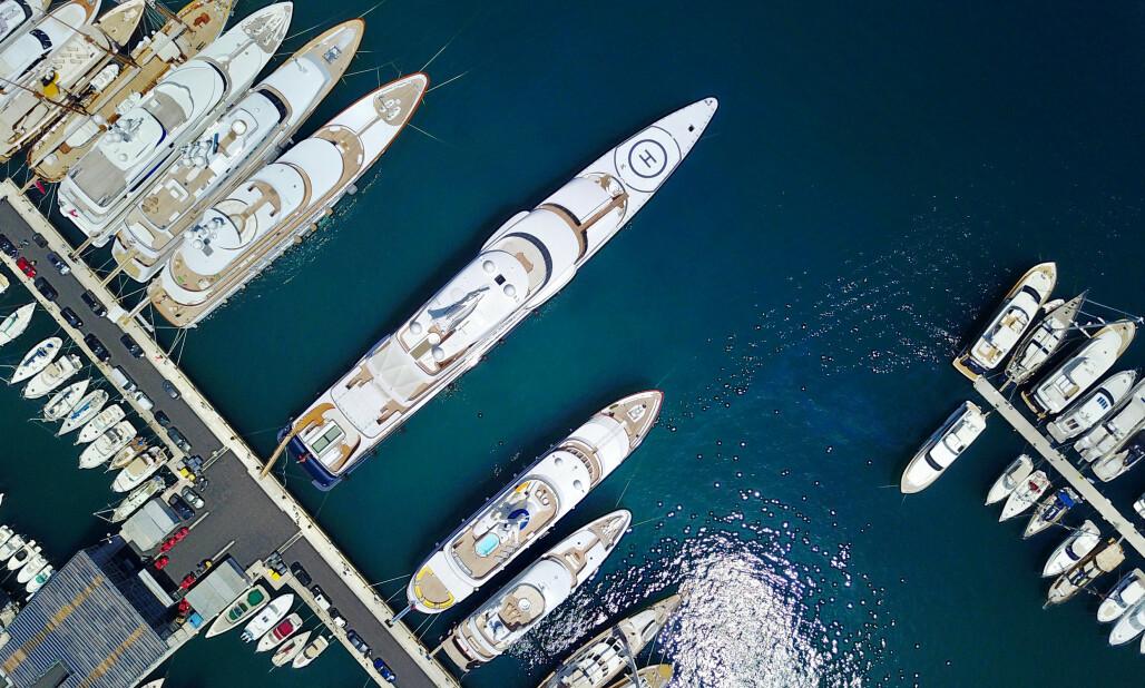 <strong>Corona-bønn:</strong> Monaco, kjent for sine kasinoer, strender og glamour, er et yndet reisemål for verdens rikeste og deres superyachter. Nå kommer et knippe medlemmer av verdens økonomiske elite med en bønn til myndigheter verden rundt. Illustrasjonsfoto: Eric Gaillard / Reuters / NTB Scanpix