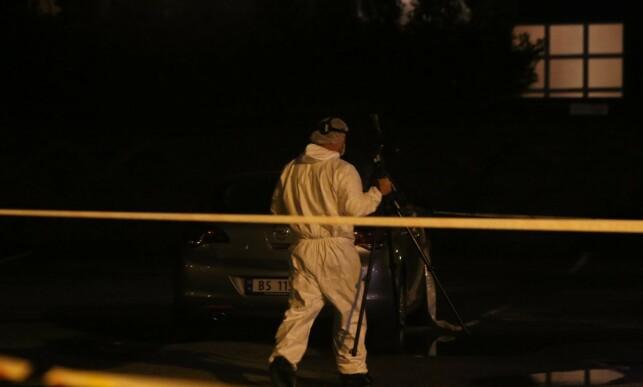 UNDERSØKELSER: Det har blitt utført krimtekniske undersøkelser på stedet. Foto: Nyhetstips.no