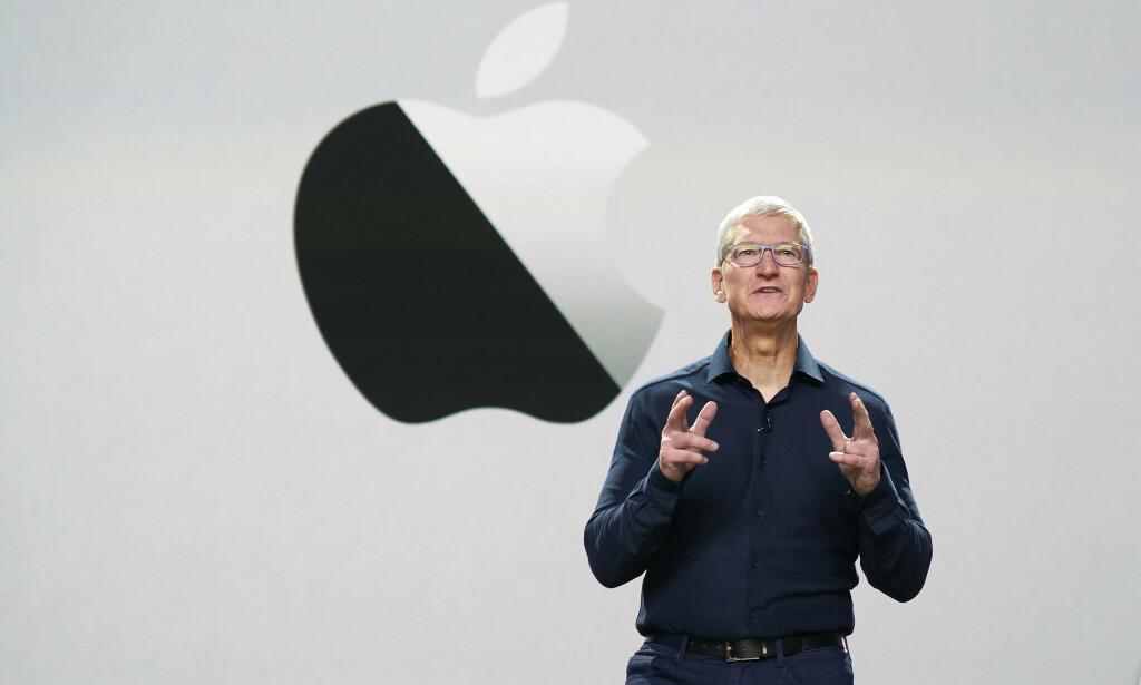 FORNØYD MED DOM: Apple fikk ikke en ulovlig skattefordel i Irland, slik som EU-kommisjonen hevdet, fastslår EU-domstolen. Avbildet er Apple-sjef Tim Cook. Foto: Bernadette Simpao / Apple Inc. / AFP / NTB scanpix