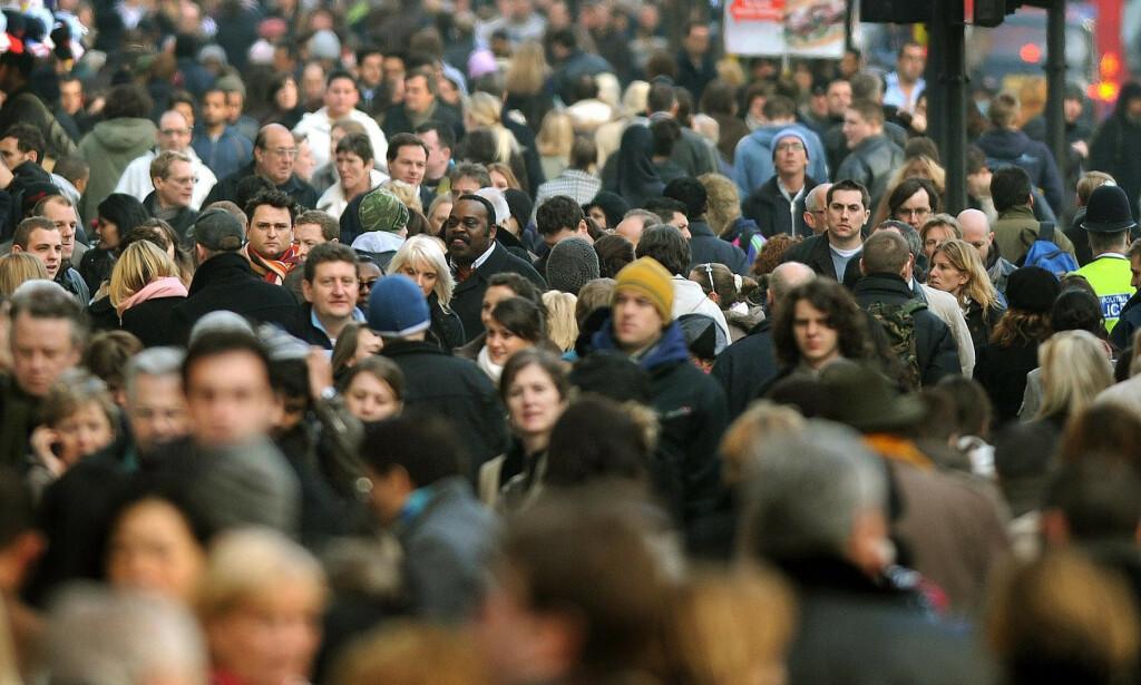 ADVARER: En stadig eldre og, enkelte steder, mindre befolkning vil skape utfordringer i åra framover, advarer forskerne bak en fersk studie. Foto: Pa Photos