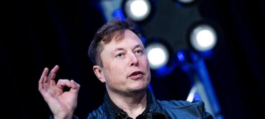 Tesla villeder med selvkjøring