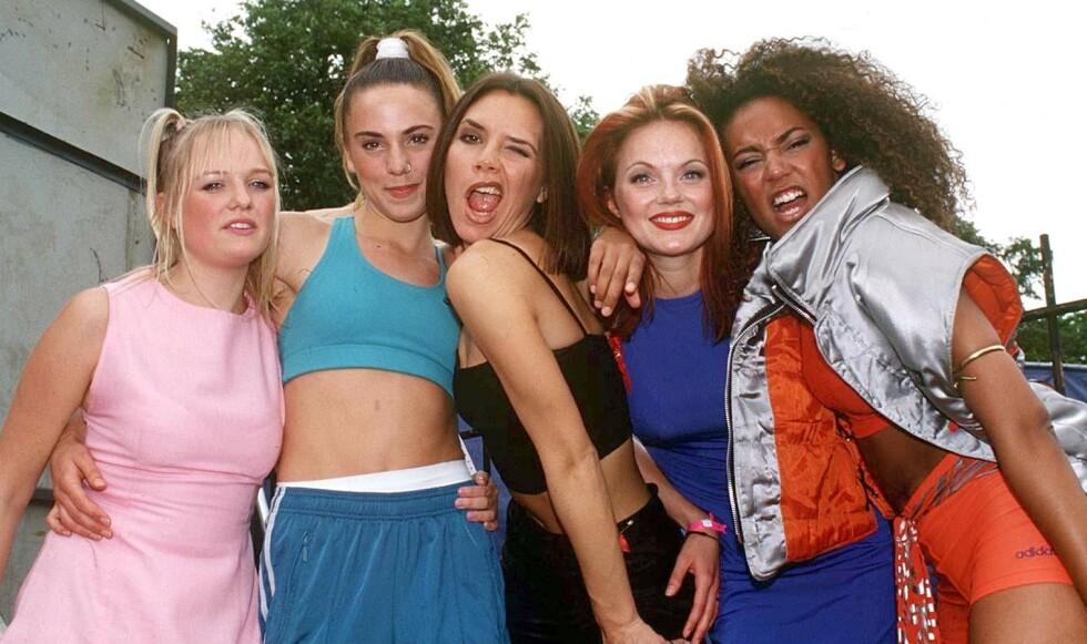90-TALLETS STJERNER: Emma Bunton (f. v.), Melanie Chisholm, Victoria Beckham, Geri Halliwell og Melanie Brown utgjorde popfenomenet Spice Girls. FOTO: Scanpix