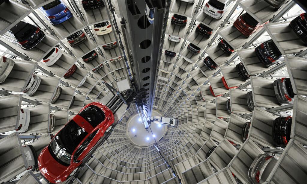 KRAFTIG FALL: I løpet av første halvår har det europeiske bilsalget falt med nærmere 40 prosent. Illustrasjonsfoto: Fabian Bimmer / Reuters / NTB Scanpix