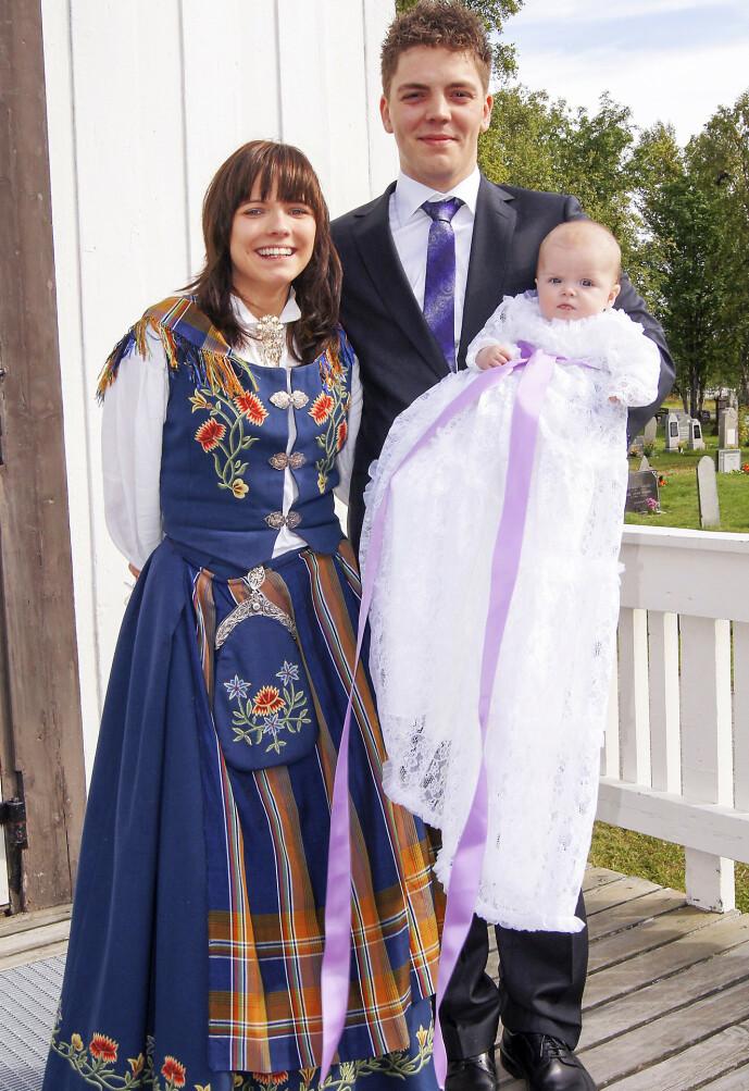 GODE DAGER: Lykken var fullkommen da Elisabeth og Paul-Kristian bar datteren sin til dåpen. Så ble Elisabeth syk.