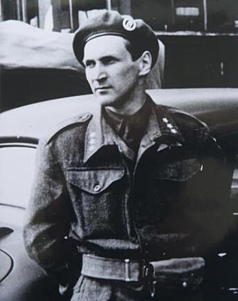 <strong>KRIGSHELT:</strong> Under andre verdenskrig var han leder for «Oslo-gjengen». Her er Sønsteby avbildet under frigjøringsdagen 8. mai 1945. Foto: PRIVAT / Dagbladet