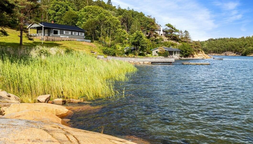 <strong>OPPRINNELIG SMÅBRUK:</strong> Da Sønsteby kjøpte eiendommen i 1957 var det opprinnelig et småbruk. Foto: Kevin Fauske / Privatmegleren Tjuvholmen