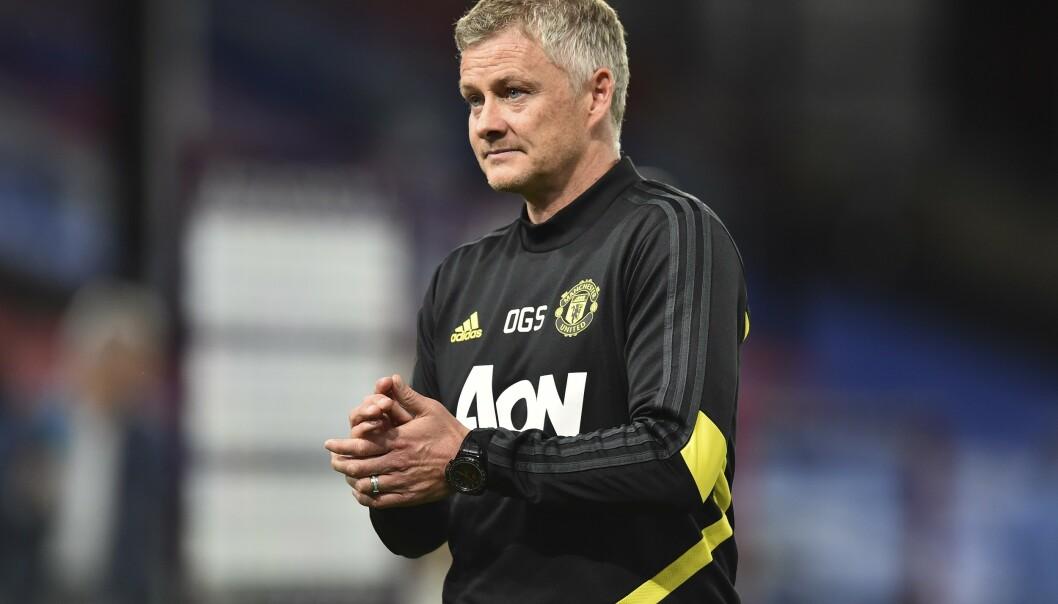 REAGERER: Ole Gunnar Solskjær mener Manchester United og Chelsea har litt forskjellige utgangspunkt før semifinalen. Foto: NTB scanpix
