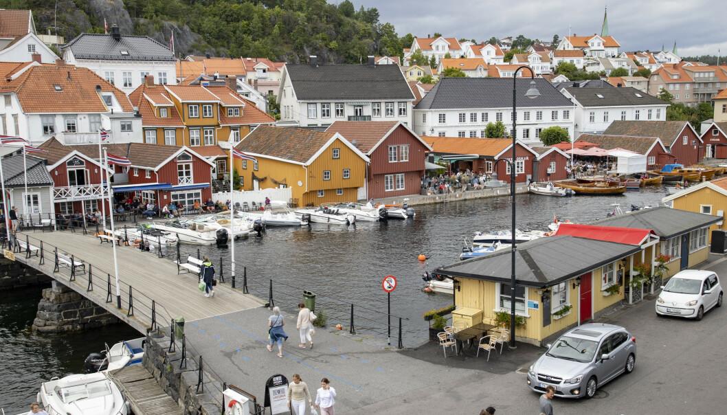 ØDELAGT: Det var i sentrum av Kragerø at det natt til lørdag ble gjort hærverk. Foto: Geir Olsen / NTB Scanpix