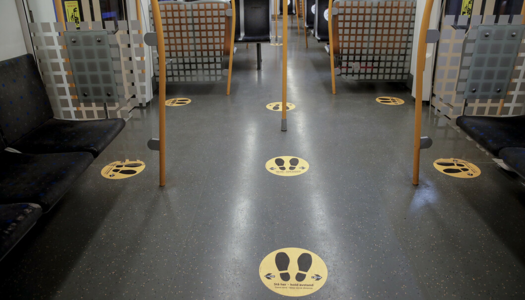 Sporveien og Ruter velger å fortsette med automatisk døråpning på T-bane, buss og trikk etter råd fra helsemyndighetene. Foto: Vidar Ruud / NTB scanpix