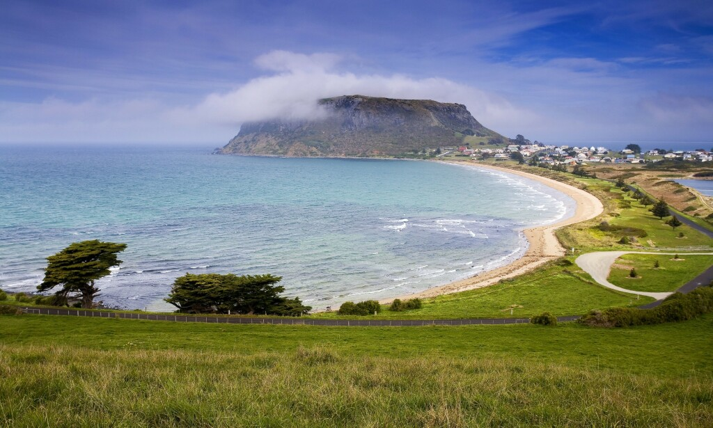 ANGREP: Det var utenfor Stanley, nordvest på Tasmania at haiangrepet skjedde. Foto: Shutterstock / NTB scanpix
