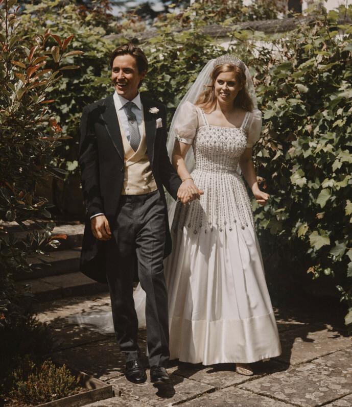 LYKKELIGE: Også dette bildet har blitt offentliggjort i etterkant av det kongelige bryllupet. Foto: NTB Scanpix