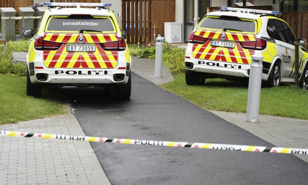 DØDSFALL: Øst politidistrikt melder at to barn er funnet døde på en privat adresse i Lørenskog. Moren ble funnet kritisk skadd på samme sted. Foto: Fredrik Hagen / NTB scanpix