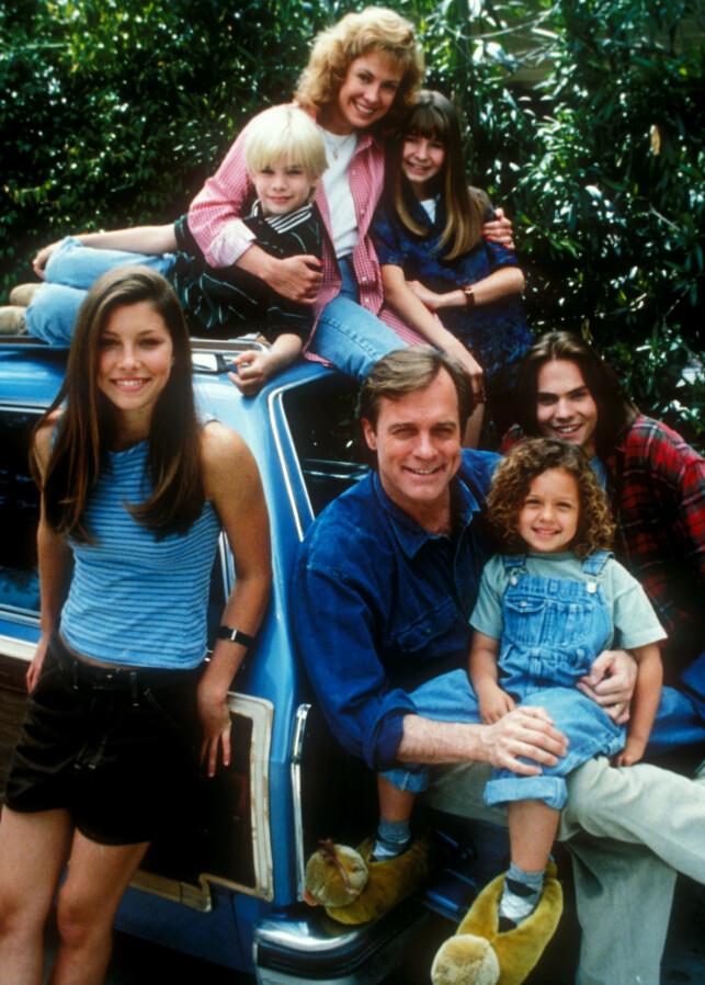7TH HEAVEN: Det populære familiedramaet ruller over tv-skjermer i elleve sesonger. Her er hele gjengen samlet. Foto: NTB Scanpix