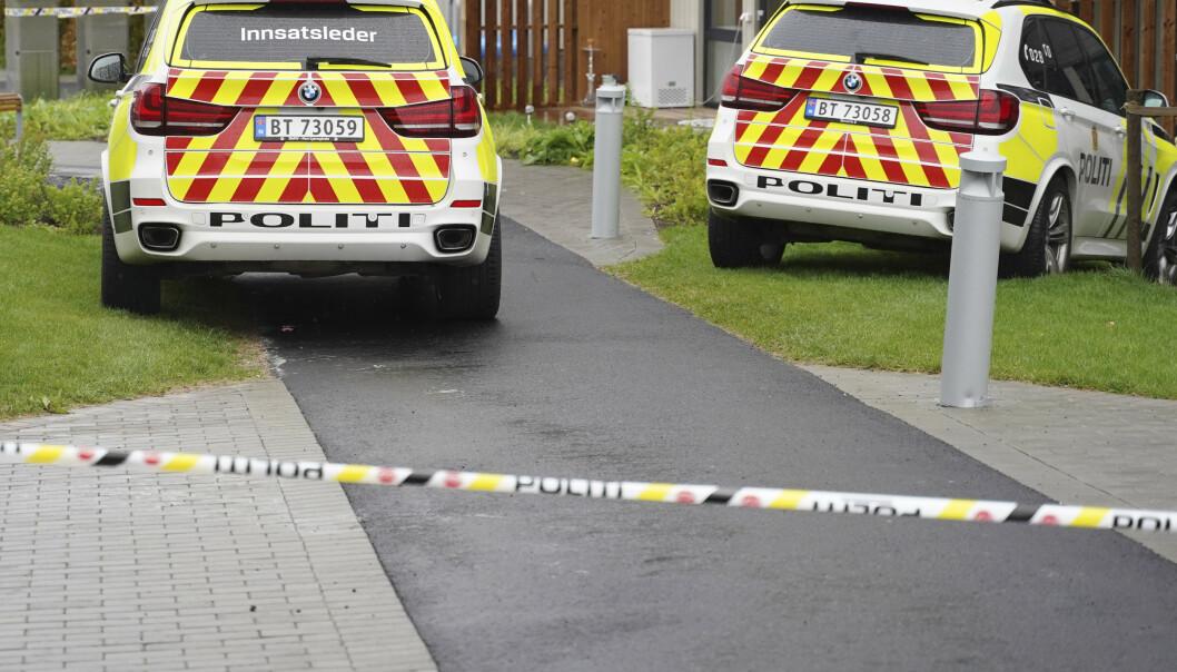 LØRENSKOG-DRAPENE: Øst politidistrikt melder at to barn er funnet døde på en privat adresse i Lørenskog. Moren ble funnet kritisk skadd på samme sted. Foto: Fredrik Hagen / NTB scanpix