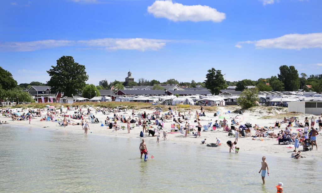 POPULÆRT: Den svenske øya Öland beskrives som en av Sveriges mest solsikre plasser, og er derfor en yndet feriedestinasjon. Dette bildet er fra Köpingbaden Camping i Öland. Foto: Mikael Fritzon / TT NYHETSBYRåN / NTB Scanpix
