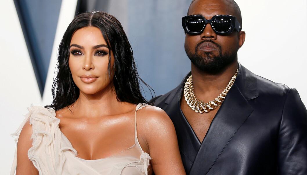SKILSMISSE?: Kardashian har gått til en skilsmisseadvokat etter Wests tirader på Twitter. Her er de avbildet sammen på Vanity Fairs Oscar-fest i februar. Foto: NTB Scanpix