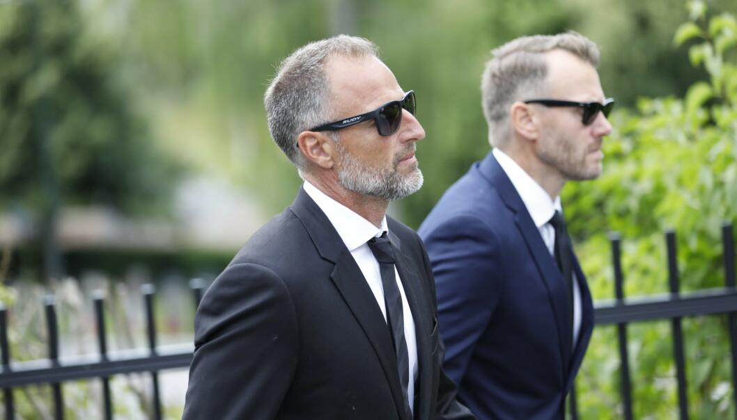 KOLLEGA: Tidligere toppalpinist Tom Stiansen ankommer bisettelsen. Foto: Christian Roth Christensen / Dagbladet