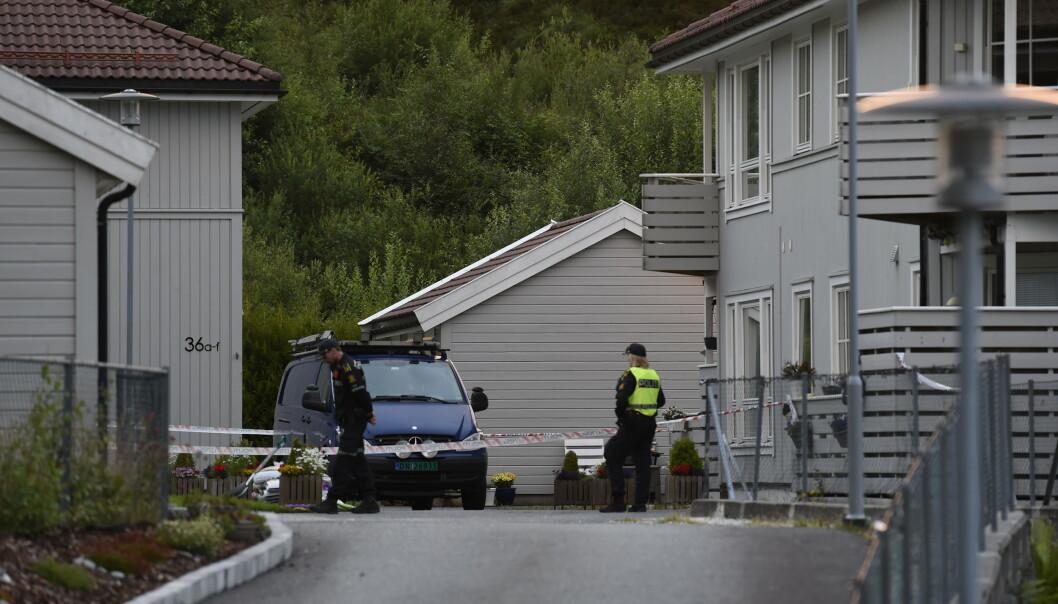 To personer ble lørdag funnet døde i en leilighet på Askøy. Foto: Marit Hommedal / NTB scanpix