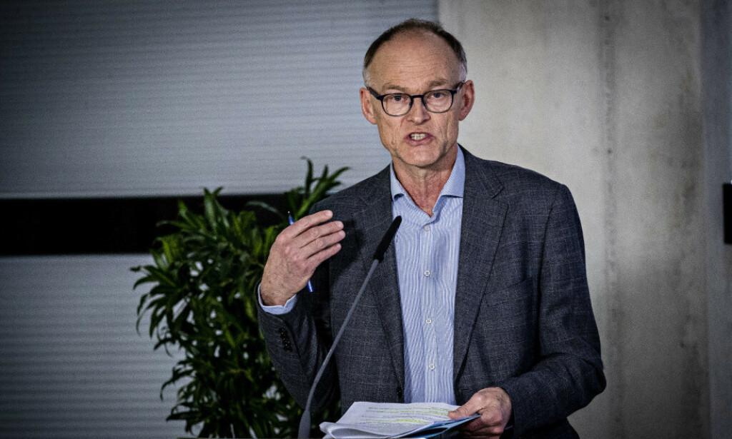UT MOT SVERIGE: FHIs Frode Forland har tidligere sagt at han mener Sverige har vært vel skråsikre på sin håndtering. Foto: Bjørn Langsem / Dagbladet