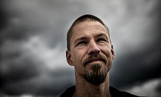 <strong>ALLTID SKREVET:</strong> Martin Sellevold har skrevet siden han var barn. I år debuterer han med røverromanen «Bikkjevakt». Foto: Christian Roth Christensen