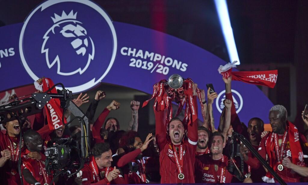 Liverpool feiret akkurat sin første Premier League-tittel og trenger ikke vente lenge før de får mulighet til å forsvare ligatrofeet. Neste sesong starter 12. september. Foto: Paul Ellis / AP / NTB scanpix