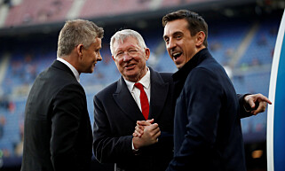 KLUBBLEGENDE: Sir Alex Ferguson sammen med Ole Gunnar Solskjær og Gary Neville. Foto: NTB Scanpix