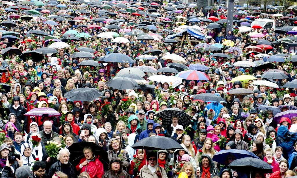 ROSETOG: I tida etter terrorangrepet 22. juli 2011 var det rosetog, vakre taler og en unison enighet om å møte hatet med kjærlighet, skriver artikkelforfatteren. Bildet er fra en markering i Oslo våren 2012. Foto: John T. Pedersen / Dagbladet