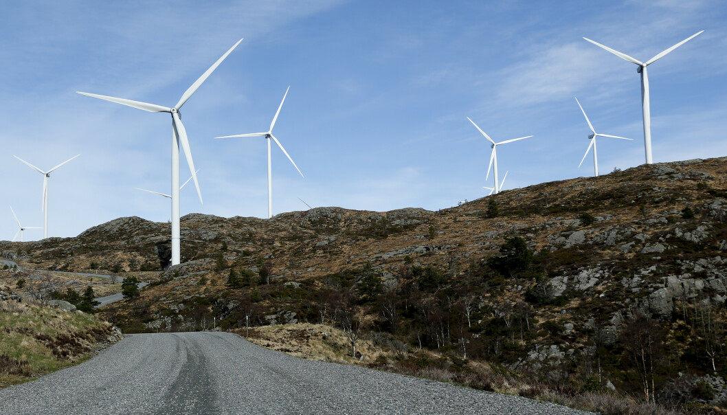 Noen av vindturbinene i Midtfjellet vindpark i Fitjar kommune. Foto: Jan Kåre Ness / NTB scanpix
